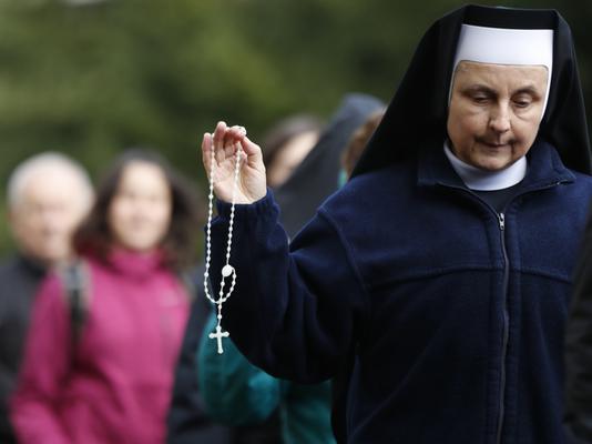 Egymillió lengyel hívő alakított élő imaláncot a keresztény Európa védelmében