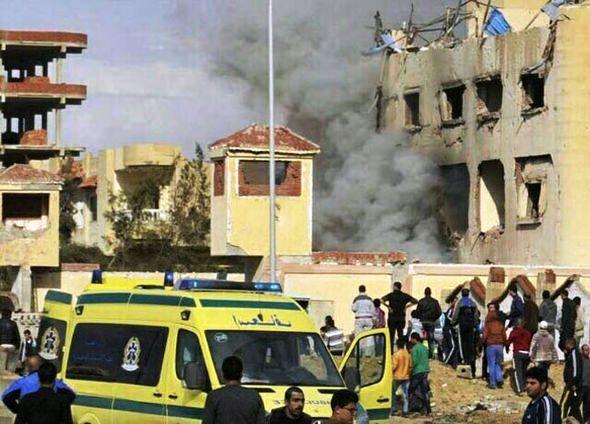 Tömeggyilkosság Egyiptomban: 235 halott és 109 sebesült