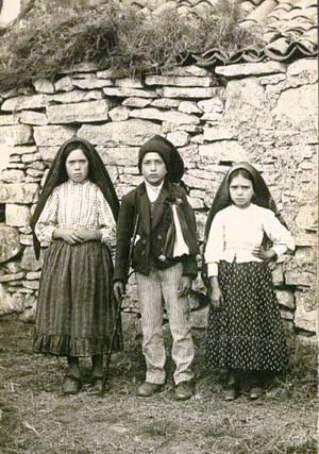 Egyházunk új szentjei: Ferenc és Jácinta, a fatimai pásztorgyerekek