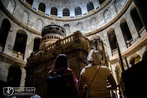 Bezárták a Szent Sír-bazilikát
