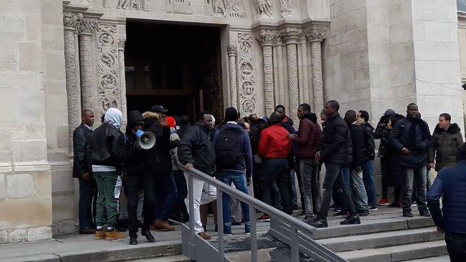 Migránsok és szélsőbaloldali aktivisták támadtak egy francia bazilikára