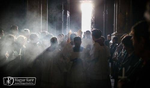 Nagyhét és Húsvét kívül és belül