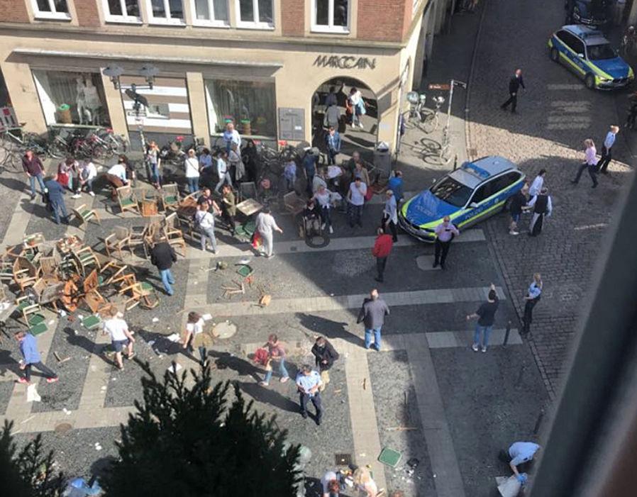 Újabb terrortámadás Németországban: tömegbe hajtott egy furgon