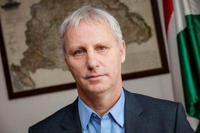 """""""Európának feltétele a kereszténység"""" – interjú Soltész Miklóssal"""