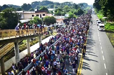 Amerikába tartó migráns áradat