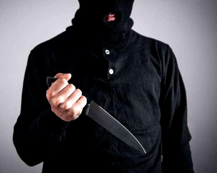 Három embert meggyilkolt az iszlamista terrorista a nizzai bazilikában