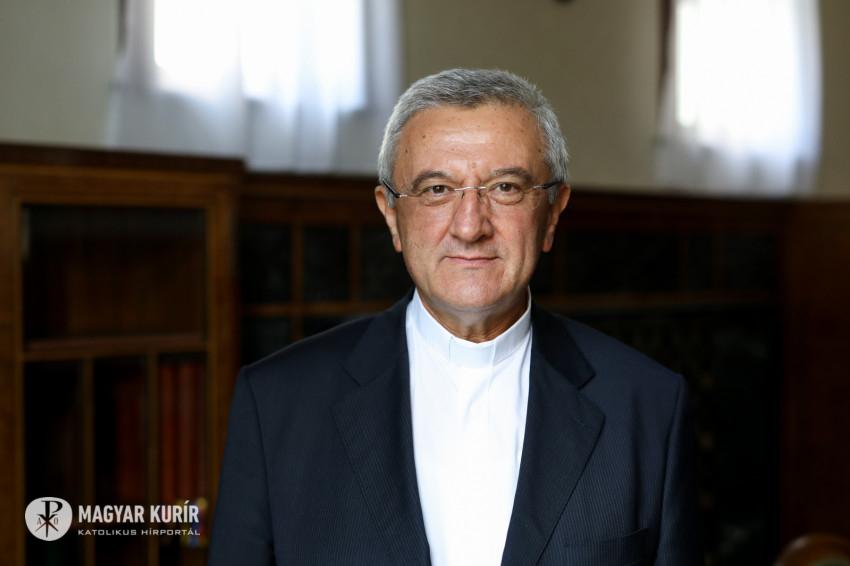 """Veres András püspök az új esztendőre: """"Ne félj, ne aggódj…"""